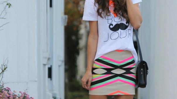 look-t-shirt-e-maxi-colar